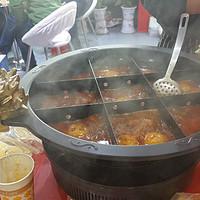 寒冷的冬天,热辣的火锅展   给你的生活加点料