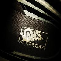 多方对比终得它 谁知是个大磨王:VANS 范斯 VN0A2Z61JYI 休闲鞋 购买及开箱