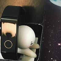 能刷公交闪付的智能手环 — 两代拉卡拉手环对比
