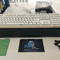 AKKO Ducky Zero 3108 机械键盘 PBT侧刻白色红轴 评测
