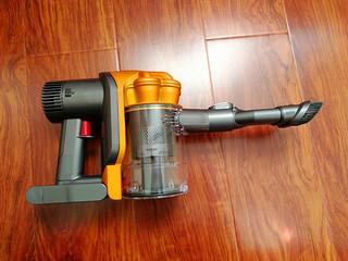 #本站首晒#有 dyson 戴森 DC43H 手持式吸尘器 在手,床铺清洁不再愁