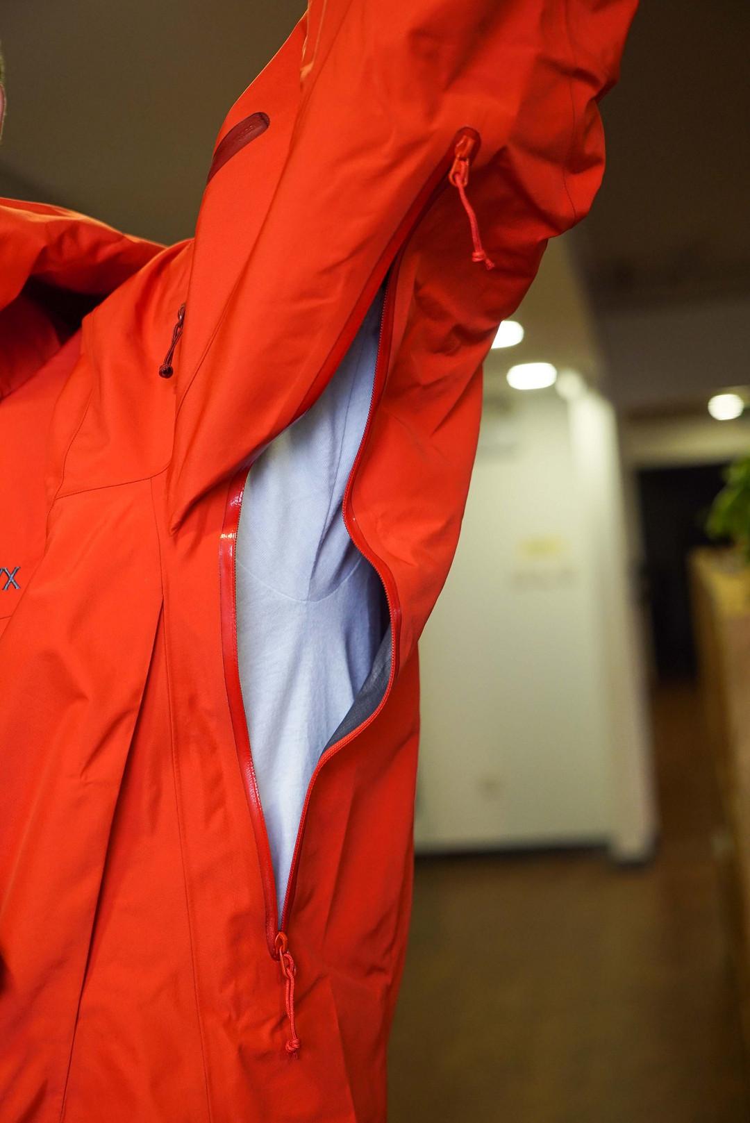 《到站秀》第75弹:ARC'TERYX 始祖鸟 Alpha SV 冲锋衣 2016款