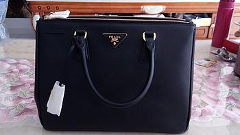 新年换新包——Prada Saffiano 杀手包及拉链钱包晒单