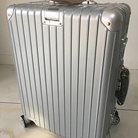 值得买的高颜值旅行箱 — 网易严选 20寸 纯PC铝框登机箱