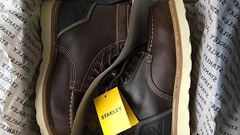 新年剁手第一单之 Stanley 男士户外短靴