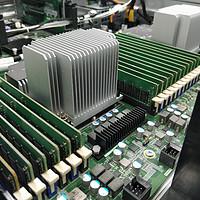 巨炮快评! 篇六:16核32线程384GB内存!双路Intel至强数据服务器拆解