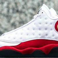 二丁目的篮球鞋 篇四十九:新年将至,红色来到—AIR JORDAN 13 白红