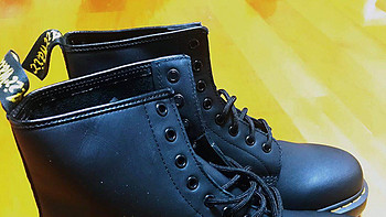 唯一的缺点就是不小心买大了—马丁大夫马丁靴简单晒