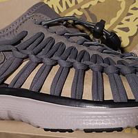 最辣眼的凉鞋自然要配更辣眼的价格—三折搞定稀有色钢灰色