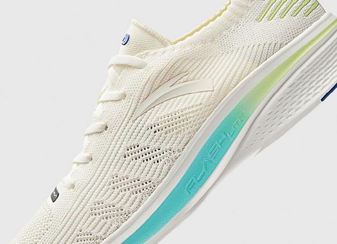 """永不止步:ANTA 安踏 推出 FLASHLITE """"氢跑""""系列跑鞋"""