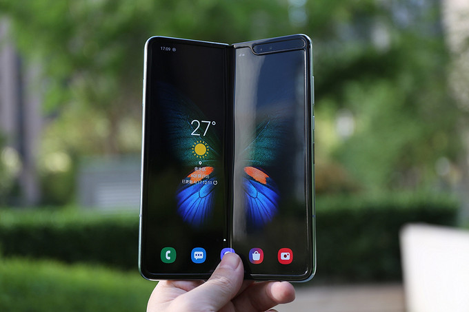 官方声明:SAMSUNG 三星 Galaxy Fold 屏幕损坏已有初步调查结果