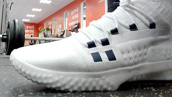 谈谈对综训鞋的理解。618实战999-300神卷造就史低:Under Armour 安德玛 Project Rock 1训练鞋评测。