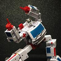 变形金刚玩具 篇二百零三:白衣圣手——NA救护车开箱