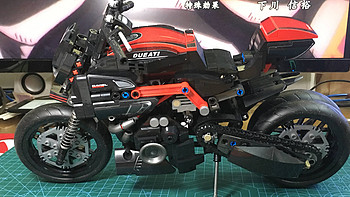 国产积木系列 篇三十:森宝积木 701703-杜卡迪Diavel摩托车——魔鬼的诱惑