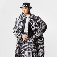 波司登 x Gaultier联名羽绒服系列开售