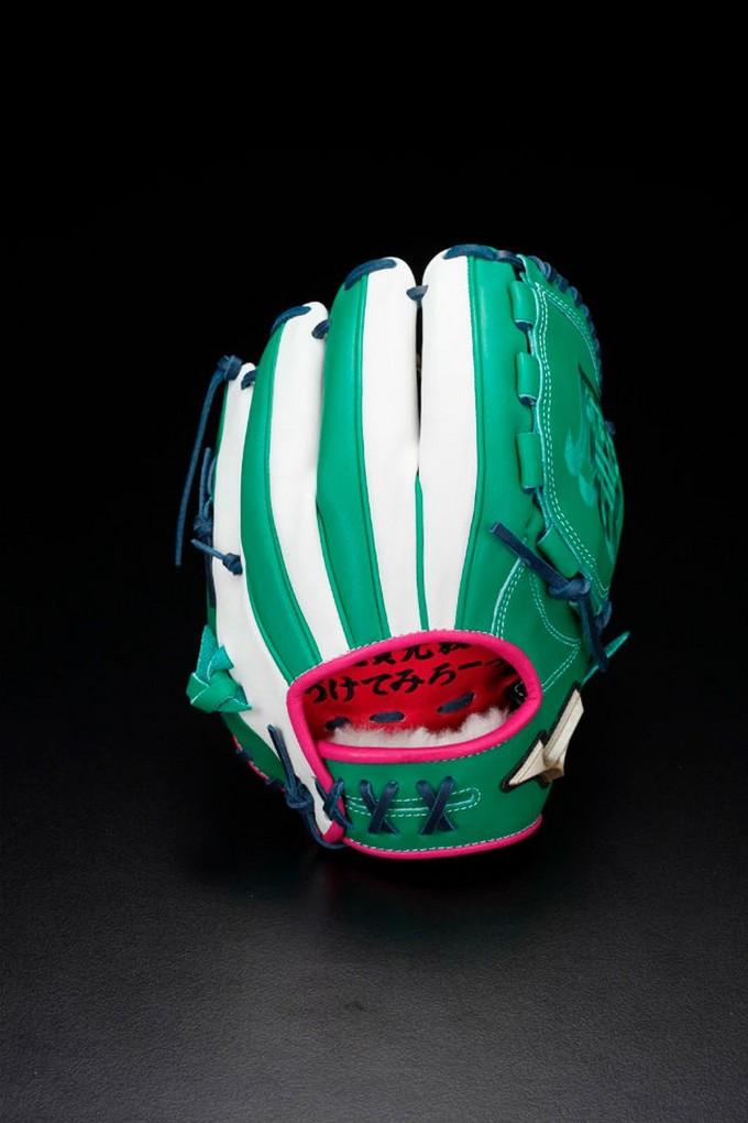 龙珠变龙球:万代和美津浓推出《龙珠Z》主题棒球装备