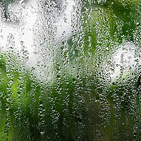 冬天门窗玻璃表面爱结露?这有你想要的解决方案