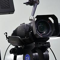 对焦快准稳 企业直播不跑焦 索尼AX700摄像机