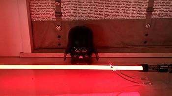吴钩霜雪明:星球大战孩之宝黑标系列FX达斯维达光剑
