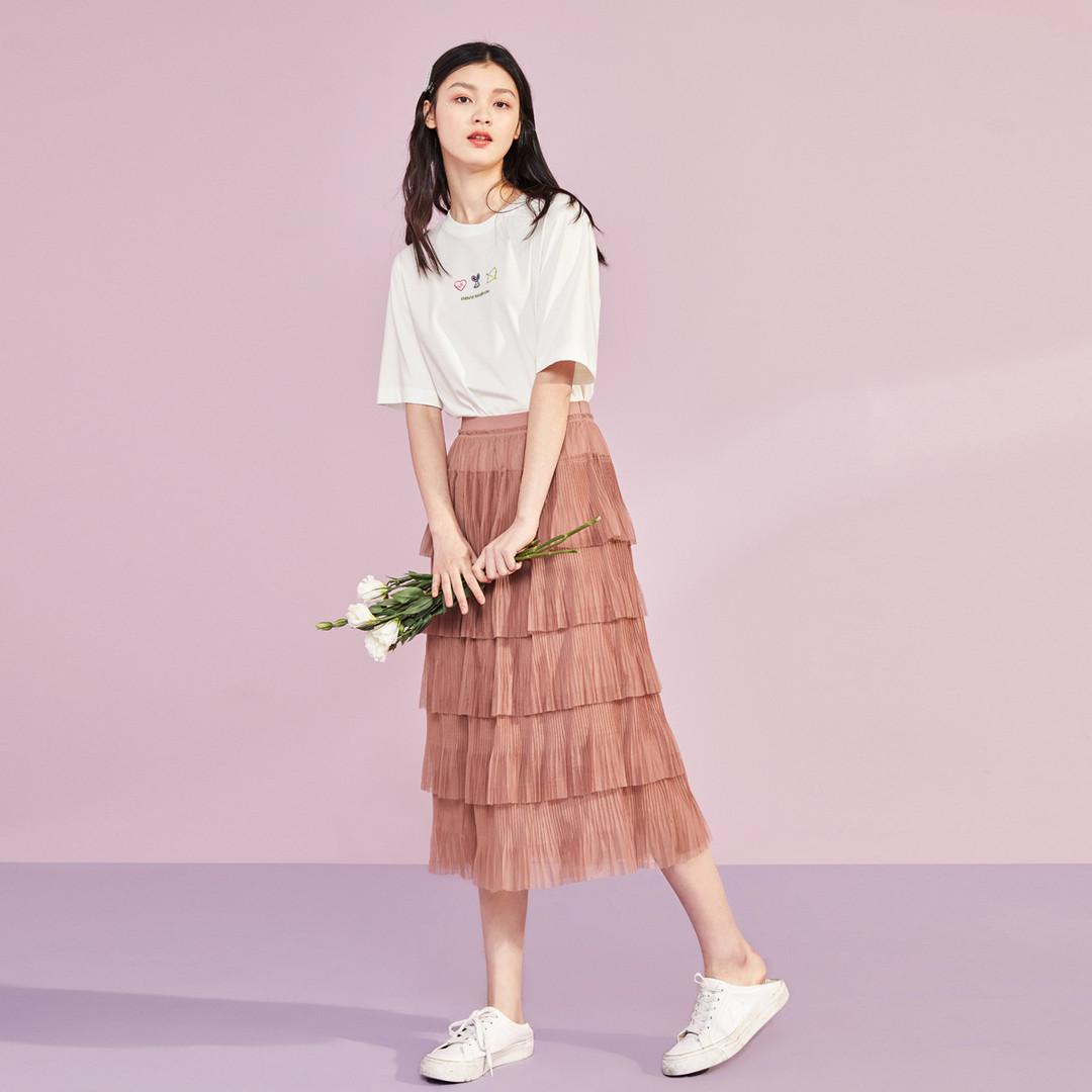 腿精养成记,超短裙、过膝裙…这些美裙让你腿长加倍