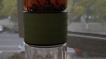 提升老同志的生活品质——茶水分离随行杯