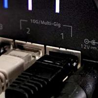 自带网线插口已成瓶颈?笔记本网速突破千兆限制方案!