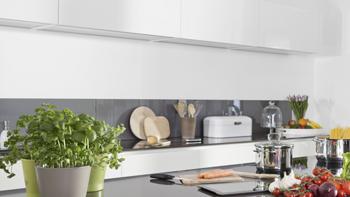 让厨房变整洁  不妨从置物架开始
