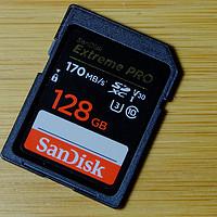 高速读写的闪迪 128GB SD卡,价格超值