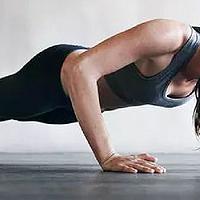 爱健身 篇二十二:讲解徒手运动挑战中的10个徒手动作,另推荐7款健身用训练鞋,不用器械也能瘦下去!