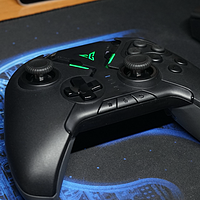 按键多,可轮盘:游戏技能大释放的飞智八爪鱼2多平台手柄