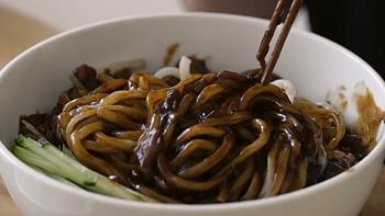 看图做美食 番三 今天突然想做一餐 中华韩式炸酱面