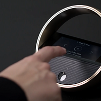B&O发布Halo蓝牙音箱,集成触摸屏、24小时超长续航、支持无线充电