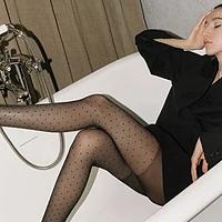 丝袜选购攻略:穿上黑丝袜,美得自己都陶醉了