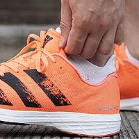 500预算跑鞋只配买国产?这4款阿迪耐克跑鞋,同样超高性价比!