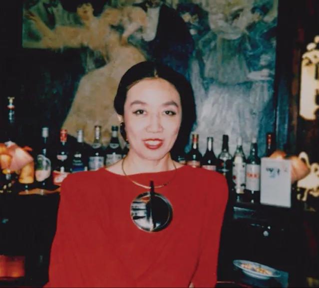 杨采钰的90年代复古穿搭,依旧美的一塌糊涂