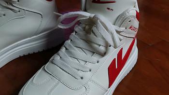 鞋 篇一:最近买了一对国货之光回力的开箱有感