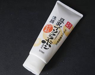 精致清洁,温和洁面的SANA豆乳洗面奶