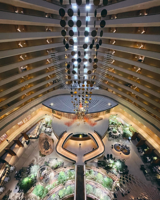 波特曼生前设计的酒店,中庭变花园,亲生物设计的典范