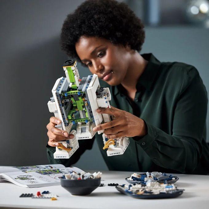 乐高正式发布卢卡斯影业50周年纪念款75308 R2-D2机器人