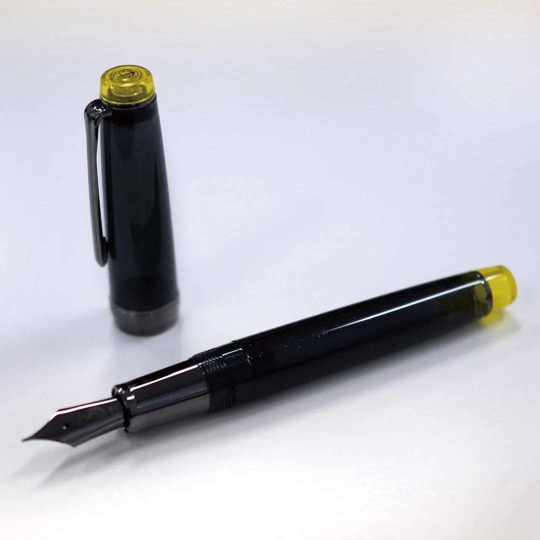 文具新草丨怎么也逃不出,这花花的钢笔.....