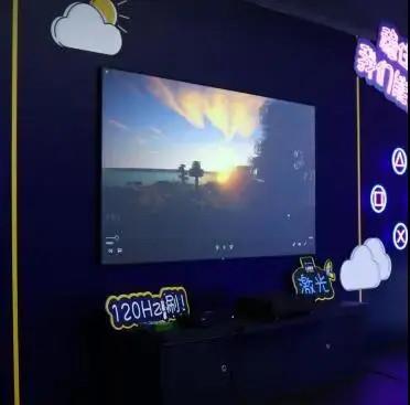 爱普生发布三款新品—EF-12、EF-10智能投影机和EH-LS300激光电视
