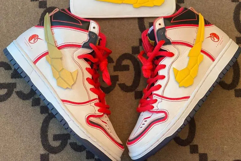 爷青回!高达 x Nike SB Dunk High 联名正式登场!细节满满!