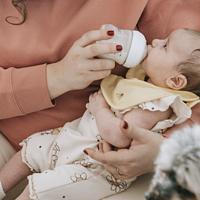 宝宝胃口好奶瓶少不了,选奶瓶从这几点入手