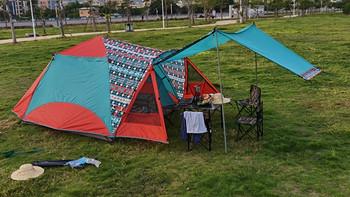 花了1200买了个帐篷,一个人在公园搭建,路人都来围观