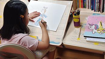雪球媽媽的母嬰好物推薦 篇八:買了三款學習桌椅,最推薦這款……