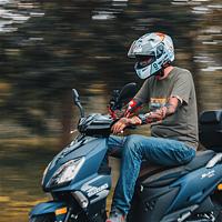 两轮载魂-铃木uy125摩托头盔选择购买经历