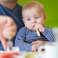 """营养师答疑解惑,孩子几岁能吃""""大人饭""""?"""