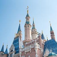 排队时突然晕倒!上海迪士尼发生一起意外!6日凌晨澳门关闭娱乐场所